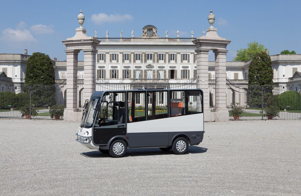 Battery powered shuttle bus 7 seater