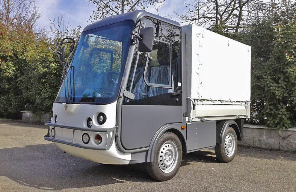 Road Leagal Electric Faciltiy Management Van